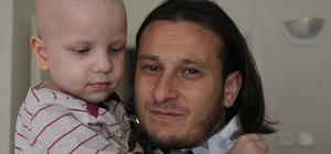 Hayranı olduğu futbolcudan hasta çocuğa moral ziyareti