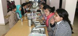 Kaymakam Uzan'dan kız öğrencilere ziyaret