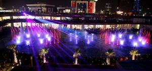 Watergarden İstanbul'da 14 Şubat Sevgililer Günü'nde aşk şarkılı su şovu