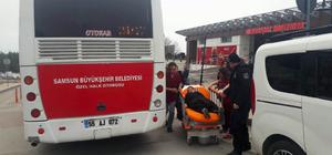 Bayılan yolcu halk otobüsüyle hastaneye götürüldü