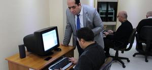 Görme engelliler için bilgisayar kursu açtı