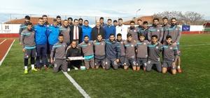 Kaymakam Nazlı'dan Ayvalıkgücü Belediyespor'a baklavalı doping