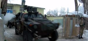 """Terör örgütü üyesi silah kaçakçılarına """"şafak"""" baskını"""