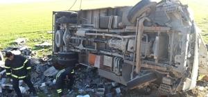 Mardin'de kamyonet şarampole devrildi: 1 ölü, 2 yaralı