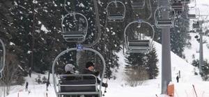 Yıldıztepe'ye Ankaralı kayakseverler yoğun ilgi gösteriyor