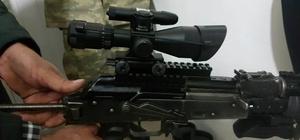 Hakkari'de silah dürbünleri ele geçirildi