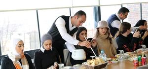 İnternet fenomeni Arap turistler Talas'ı gezdi