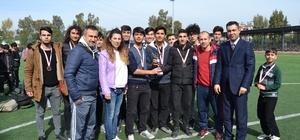 Futbolda Sarıçam Spor Lisesi şampiyon