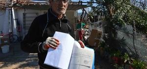 Yıkılmak üzere olan gecekondudaki Söğüt ailesi yardım bekliyor