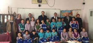 Hisarcık'ta öğrencilere giyim yardımı