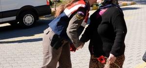 Jandarmadan sürücülere Sevgililer Günü sürprizi
