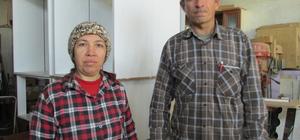"""""""Fadime usta"""" 17 yıldır eşiyle mobilya üretiyor"""