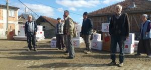 Türk Kızılayından evi yanan ailelere yardım