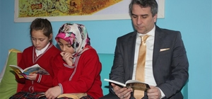 Kaymakam Karagül'den 'Suluova Okuyor'a destek
