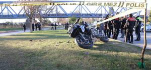 Adana'da polis ekibi kaza yaptı
