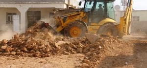 Akçakale Belediyesi kırsalda yolsuz mahalle bırakmıyor