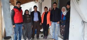 """""""Çaya Geliyoruz"""" projesinde gönüllüler işitme engelli gence misafir oldu"""