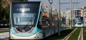 Karşıyaka Tramvayının 17 aracı da geldi