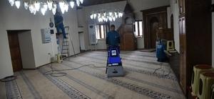 Yunusemre'de ibadethaneler temizleniyor
