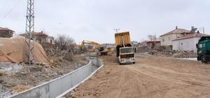 İncesu Belediyesi Tahirinli mahallesinde yeni yollar açıyor
