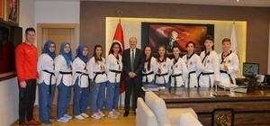 Madalya avcıları Başkan Kafaoğlu'nu ziyaret etti