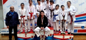 Sökeli karateciler Aydın'dan 9 madalyayla döndü