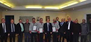Başarılı kursiyerlere sertifika