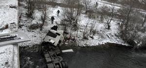 Gümüşhane'de tanker ırmağa düştü: 1 ölü