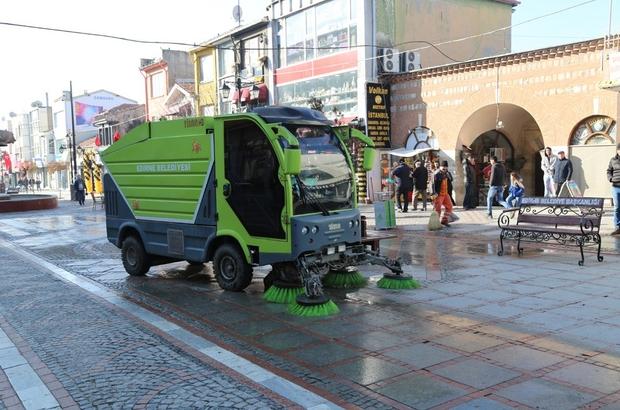 Saraçlar Caddesi'nde temizlik