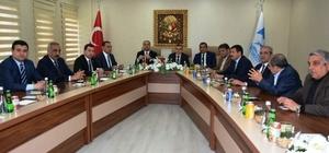 Şanlıurfa Ak Parti Belediye Başkanları Ceylanpınar'da bir araya geldiler