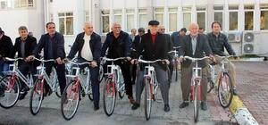 Finike'li Muhtarlara bisiklet
