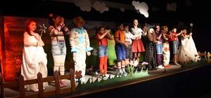 Aliağa'da çocukların tiyatro keyfi