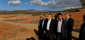AK Parti'li Savaş Karacasu'da incelemelerde bulundu
