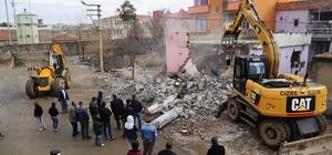 Cizre Belediyesi Nur Mahallesi'nde çalışmalara başladı