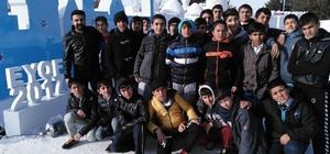 Mareşal Fevzi Çakmak öğrencileri, kar sokağında