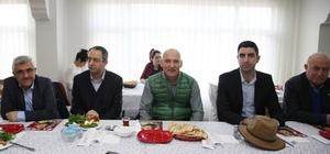Başkan Altınok Öz, Elazığlılarla kahvaltıda bir araya geldi