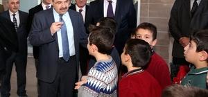 """Vali Ustaoğlu: """"Öğrencilerimiz projeyle havuzla buluşacak"""""""