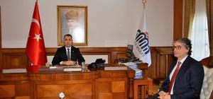 Prof. Dr. Özdemir'den Vali Toprak'a veda ziyareti