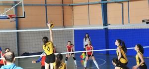 İdmanyurdu Spor Voleybol Takımı başarısını sürdürüyor