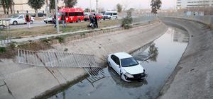 Sulama kanalına düşen otomobildeki sürücü yaralandı