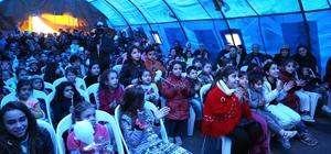 Bucalı çocuklar Çadır Tiyatrosunu çok sevdi