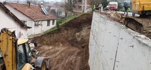Başiskele'de duvar çalışmaları sürüyor