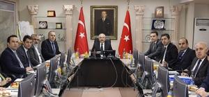 Mardin'de belediye başkanları toplandı