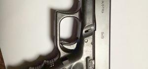 Otomobilde glock marka silah bulundu