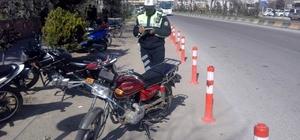 Hastane önüne park edilen motosikletlere ceza kesildi