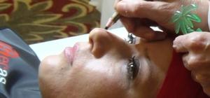 Berber ve kadın kuaförlere kalıcı makyaj ve saç simülasyonu eğitimi