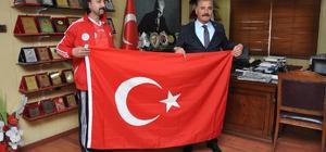 Mersinli Escrima Sporcusu Serkan Gök, İtalya'da Türkiye'yi temsil edecek
