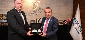 Rusya Başkonsolosu Rogoza'dan Başkan Böcek'e teşekkür ziyareti