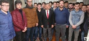 Başkan Karabacak, ülkücü gençlerle buluştu