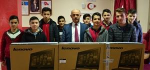 Başkan Yıldırım öğrencilerin bilgisayar isteğini yerine getirdi
